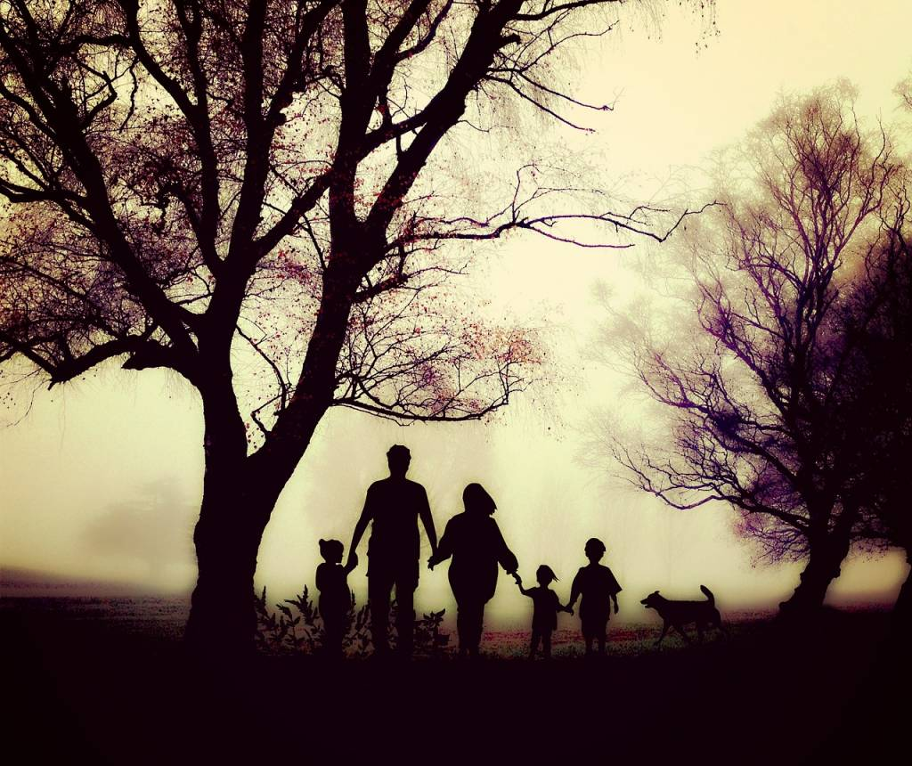 family-1787565_1280-1024x860